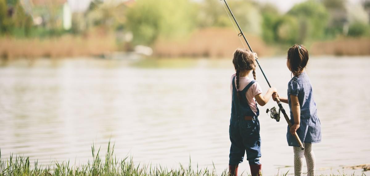 שחו עם הזרם: פעילות דייג בקיבוץ עם הילדים!